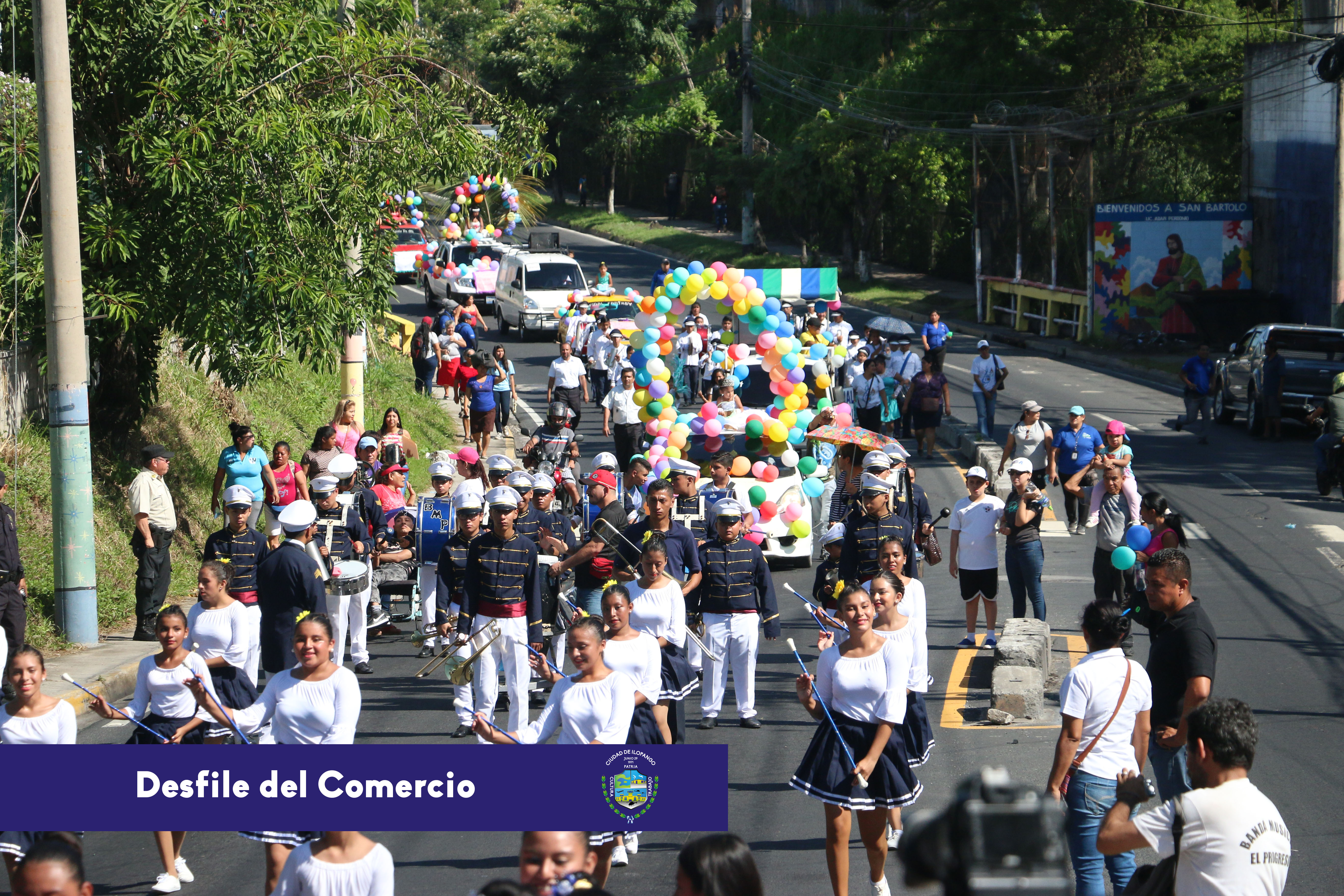 Desfile-del-Comercio...